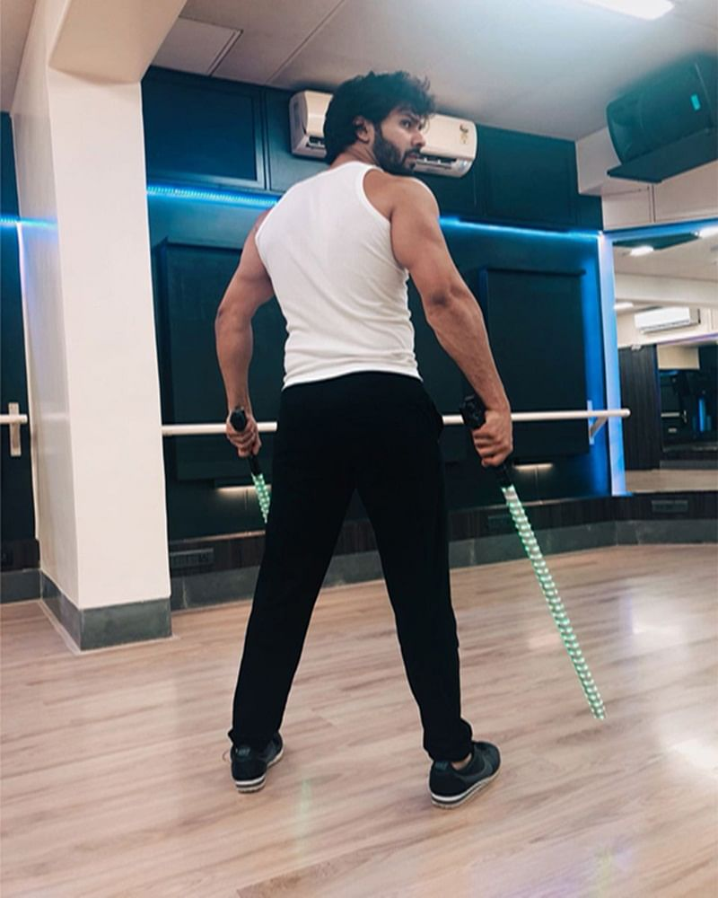 IIFA 2018: Varun Dhawan kicks off prep for his act and it looks intense [see pic]