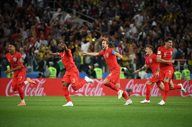 England's team players celebrate after winning  at the end of to the Russia 2018 World Cup round of 16 football match between Colombia and England at the Spartak Stadium in Moscow on July 3, 2018. / AFP PHOTO / FRANCK FIFE / RESTRICTED TO EDITORIAL USE - NO MOBILE PUSH ALERTS/DOWNLOADS