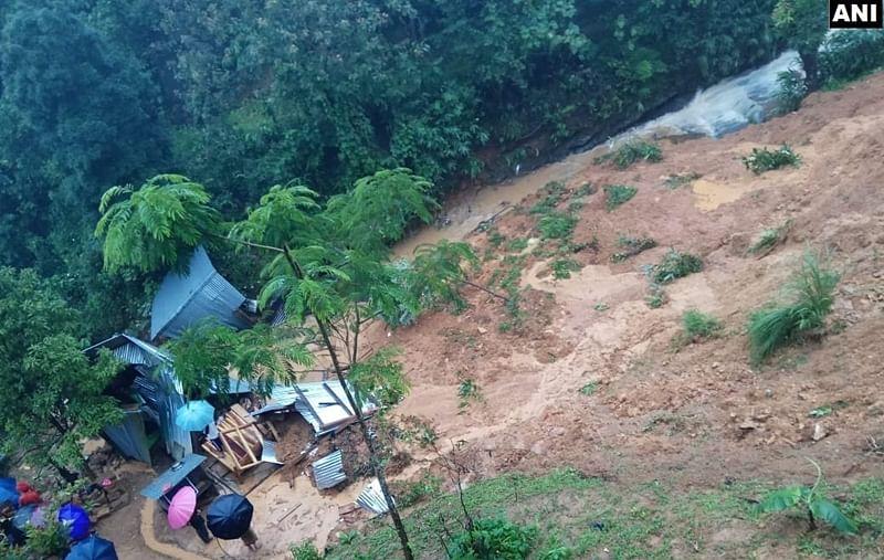 Dozens buried by landslide at unlicensed Indonesia gold mine