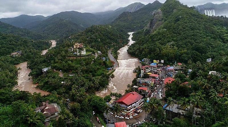 Hundreds of Kerala flood victims reach Kolkata in special train