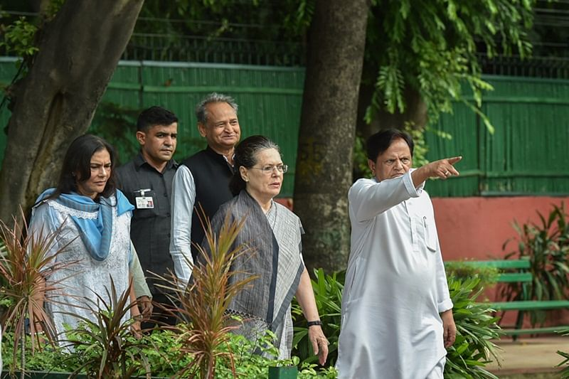Monsoon Session: Opposition MPs led by Sonia Gandhi hold protests over Rafale deal