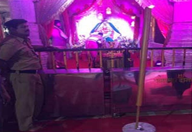 Mumbai: 6-feet long agarbattis donated to popular Ganesh mandals