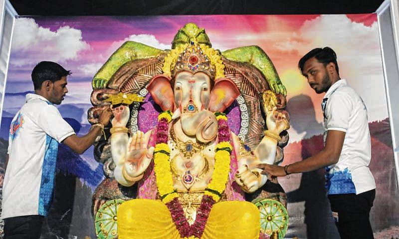 Ganesh Chaturthi 2018: Is pollution the reason for Ganesha idol turning black?