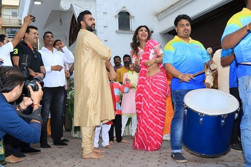 Shilpa Shetty, Raj Kundra. Photo by Viral Bhayani