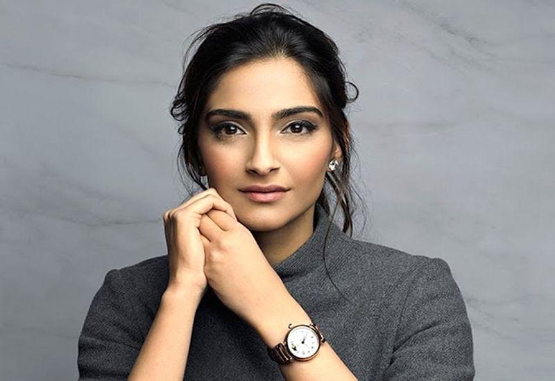 Sonam Kapoor reacts to Fatima Sana Shaikh's look in 'Thugs of Hindostan' similar to 'Hunger Games'