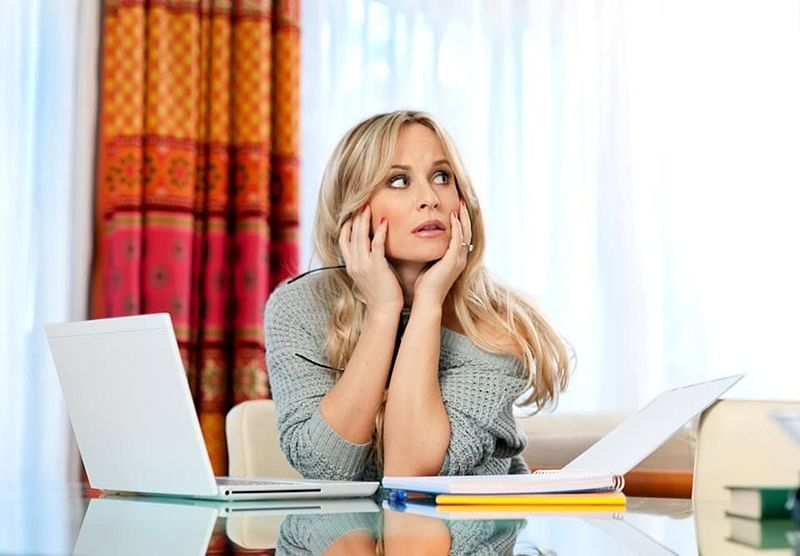 Agony Aunt helps to cope with separation, relationship problems, and achieve work-life balance