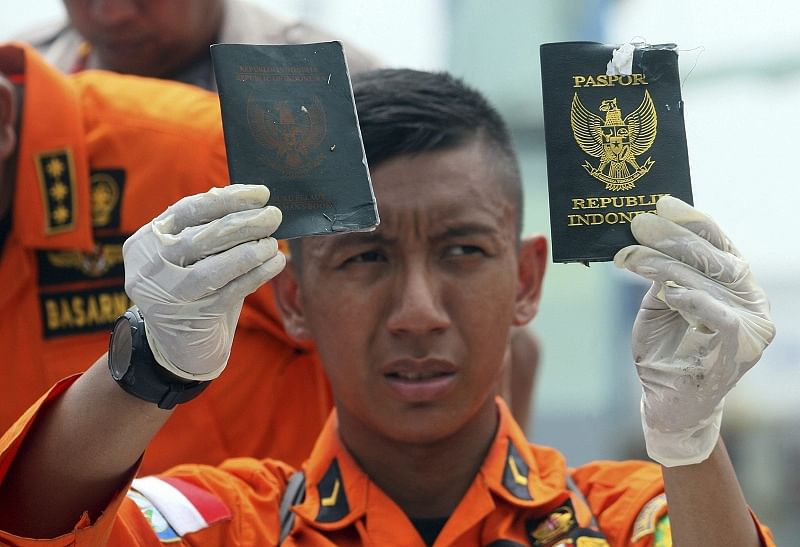 Traffic saves Jakarta man from plane crash