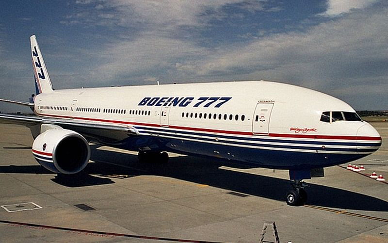 Man hit and killed by Boeing passenger plane in Russian while trying to avoid deportation