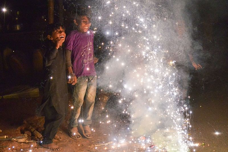 Bhopal: Share your light with the ones' who dazzle low