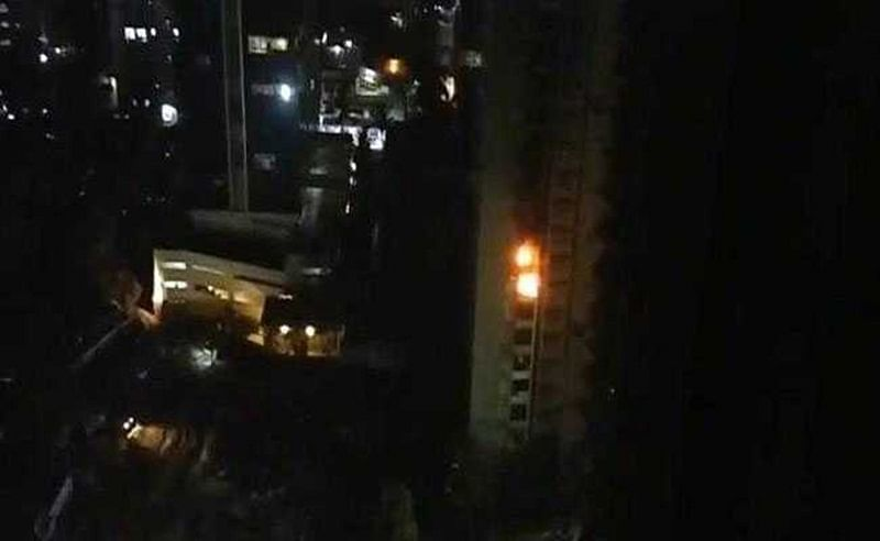 Mumbai: 2 dead as massive fire breaks out in 21-storey SRA building in Andheri