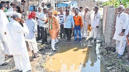 Madhya Pradesh Assembly Polls 2018: Millionaire candidates walk down to slums