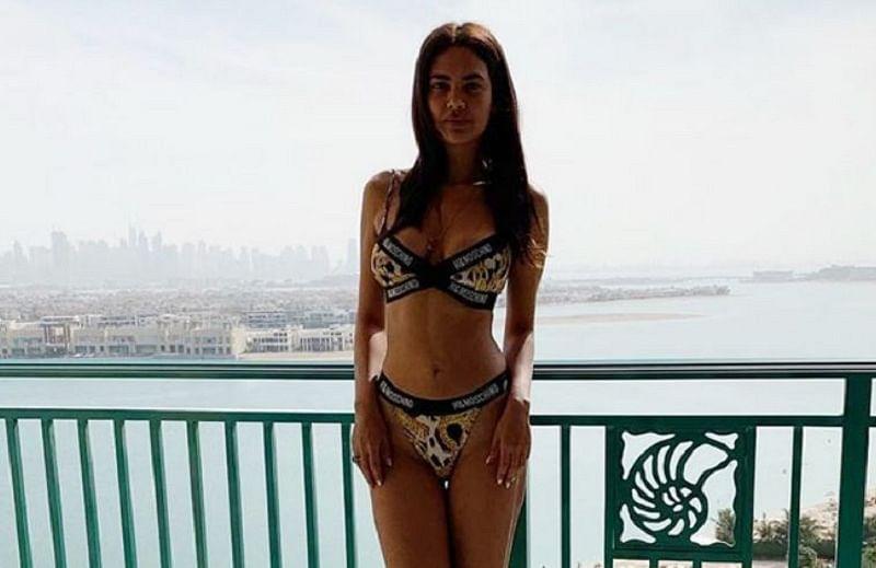Esha Gupta raises the level of hotness in Dubai wearing animal print bikini