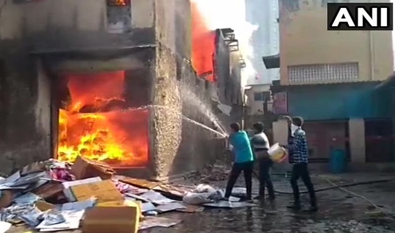 Mumbai: Four dead after fire breaks out in cloth godown in Kandivali