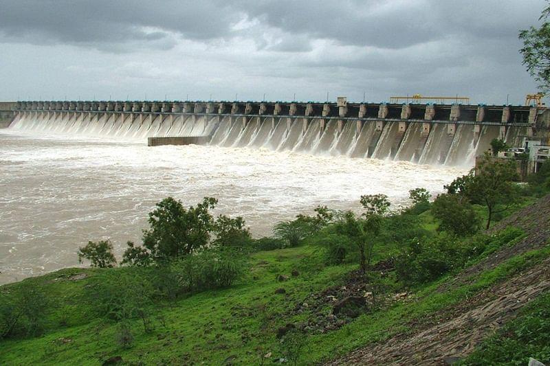 Brazil dam disaster: Hundreds feared dead