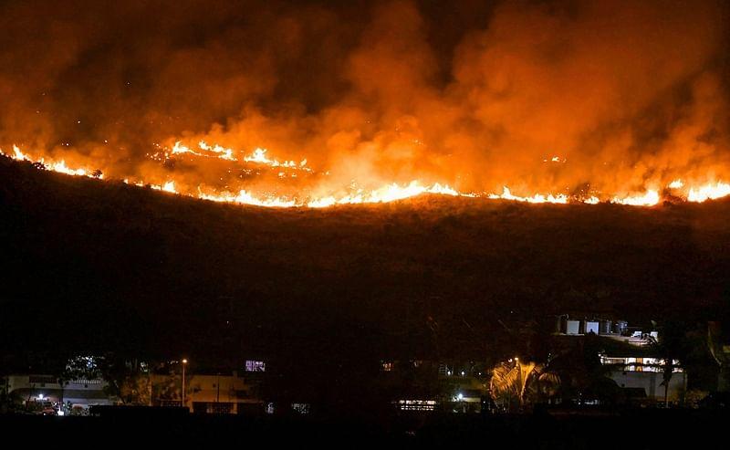 Firefighters extinguish large parts of South Korean blaze