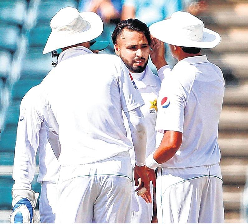 Pakistan fight back in final Test