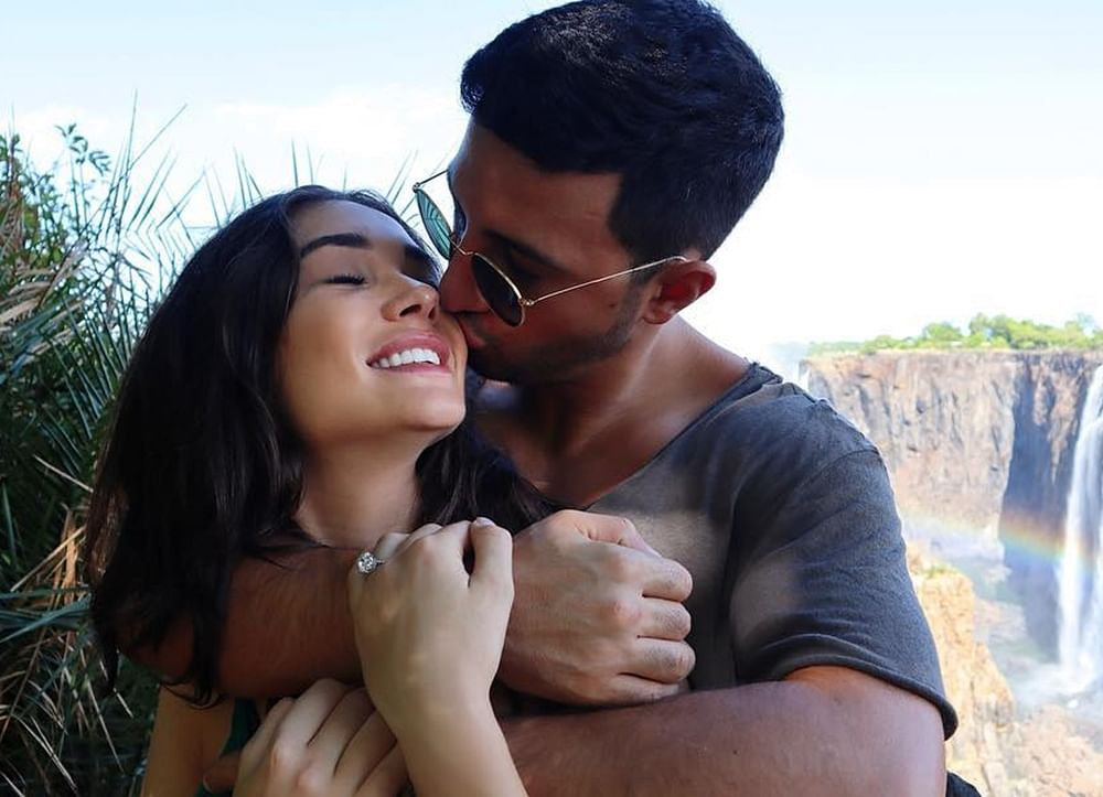 '2.0' actress Amy Jackson gets engaged to boyfriend George Panayiotou; see pic