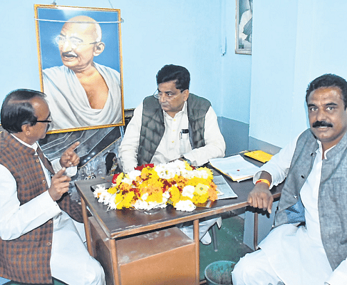 Ujjain: AICC secretary records opinion for selection  of party candidate