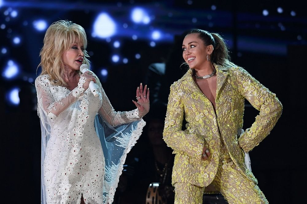 Dolly Parton rocks her own tribute performance at Grammy Awards 2019
