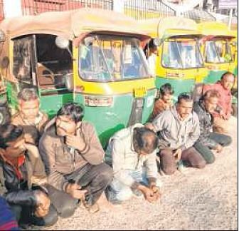 Indore: 50 autorickshaw drivers held for misbehaving with passengers