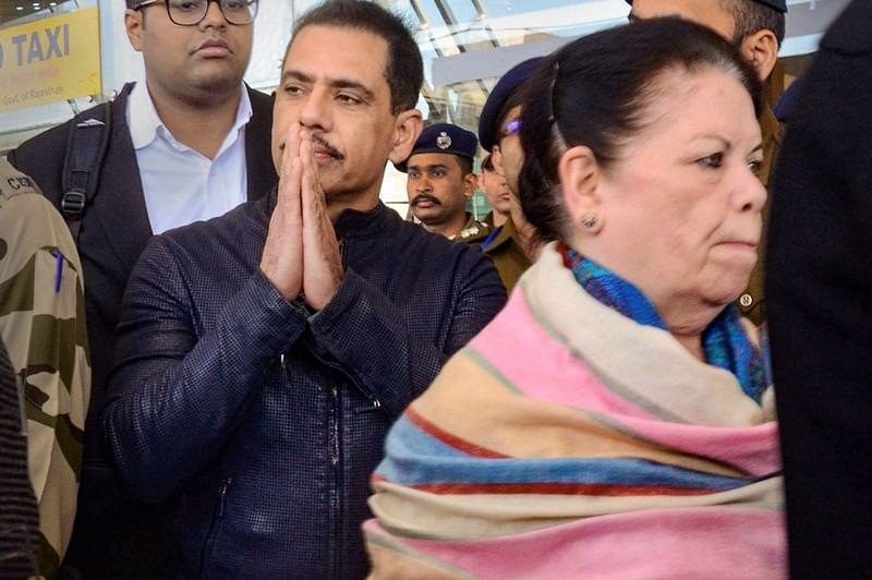 Robert Vadra visits Mumbadevi, runs into 'Modi' chant