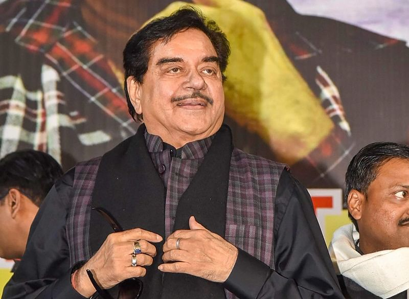 Shatrughan Sinha takes dig at PM Modi, asks why cannot he reply to the nation, will his 56-inch chest squeeze to six-inch?