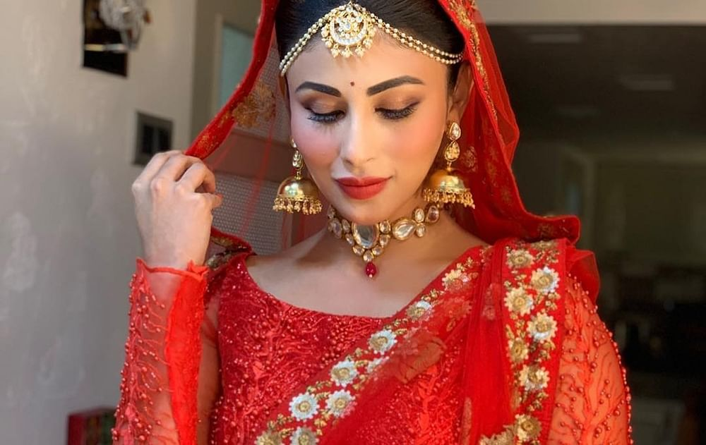 Mouni Roy stuns in elegant avatars as she goes traditional in these latest pics