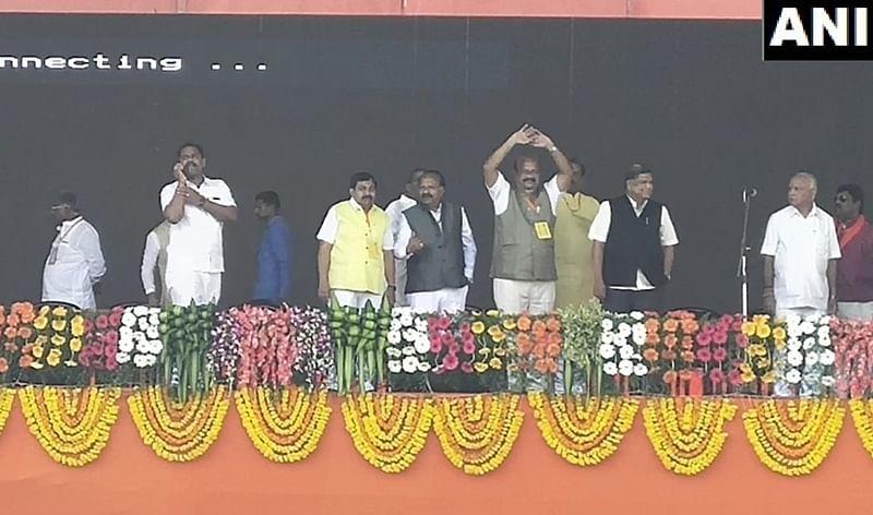 Rebel Congress MLA Umesh Jadhav joins BJP, likely to be pitted against Kharge in Lok Sabha polls