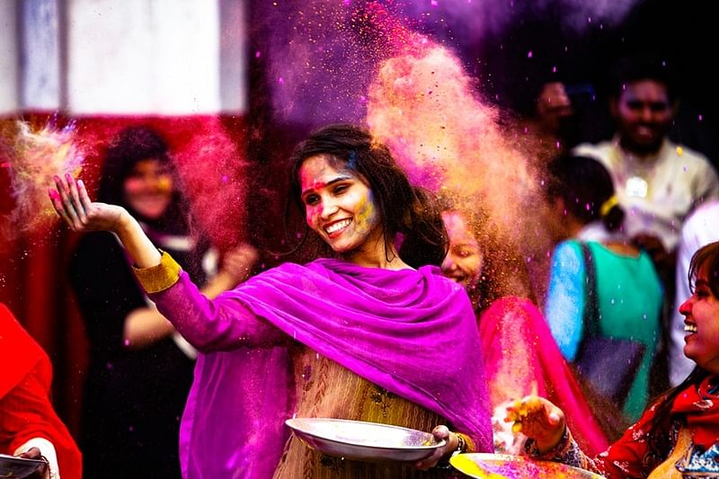 'Holi'gans, are you ready?