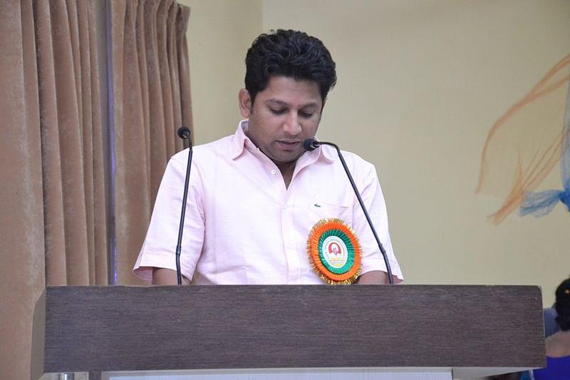 Major blow to Congress as Radhakrishna Vikhe-Patil's son Sujay joins BJP