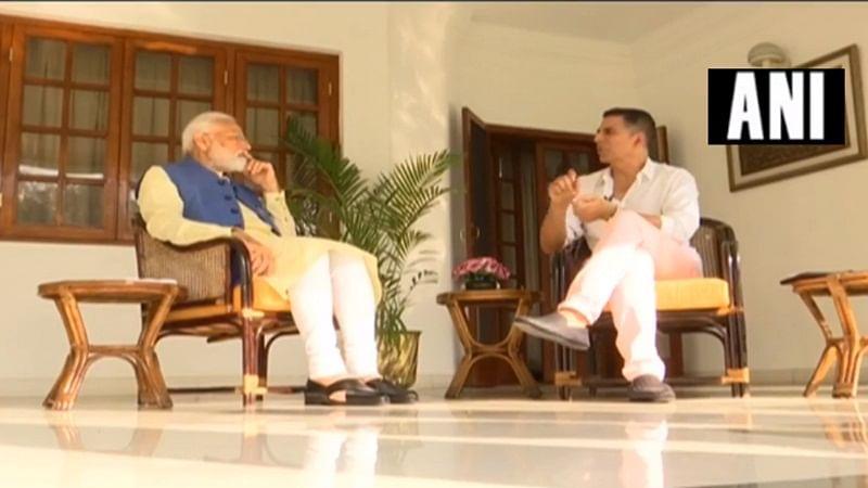 Watch: Akshay Kumar interacts with Narendra Modi; PM reveals he likes mangoes
