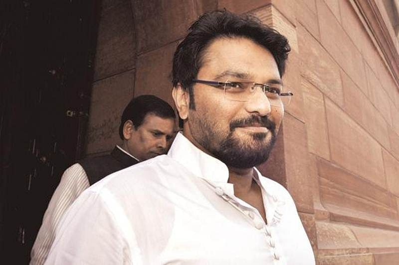 FIR against BJP leader Babul Supriyo for entering poll booth with armed guards