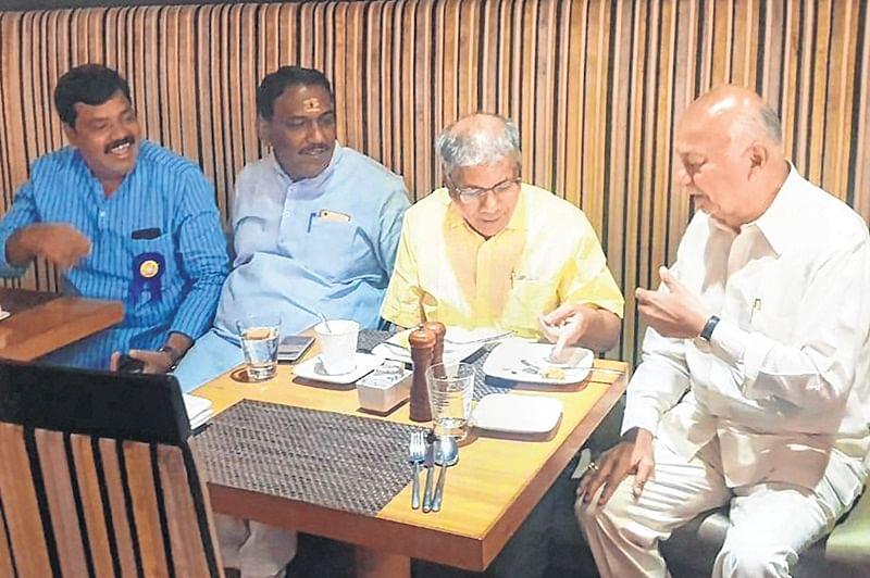 Sushilkumar Shinde-Prakash Ambedkar chai pe charcha fuels speculation