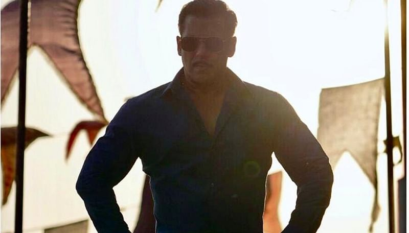 Salman treats fans with new still from 'Dabangg 3'; wraps up Maheshwar schedule