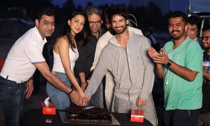 Kiara Advani, Shahid Kapoor celebrate 'Kabir Singh' shoot wrap