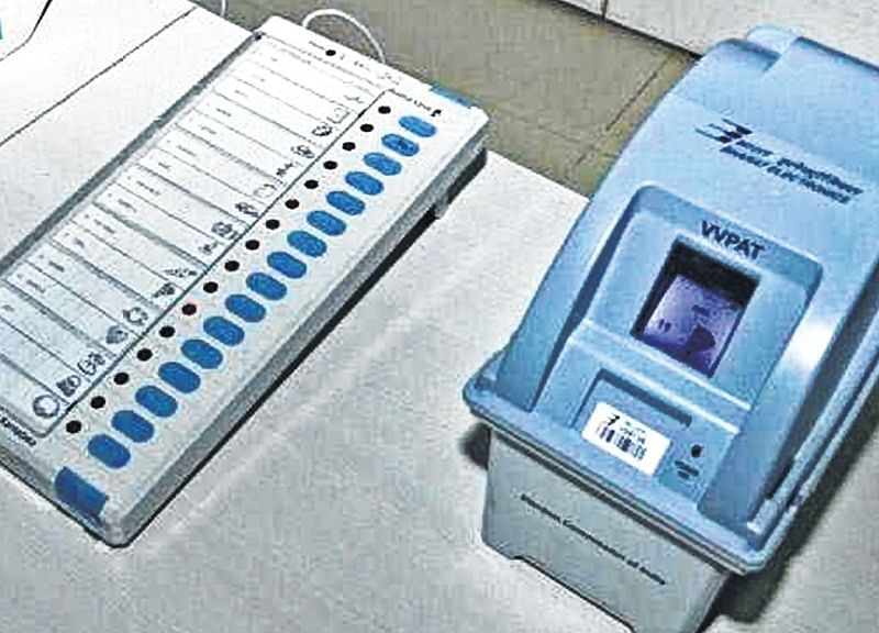 Indore: Look, who's watching the vote machines?