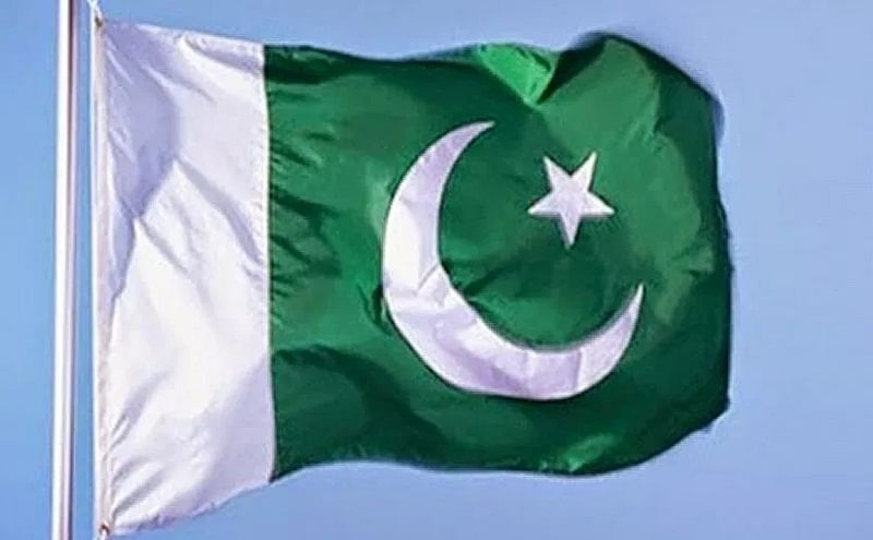 Pakistan willing to open airspace, puts rider