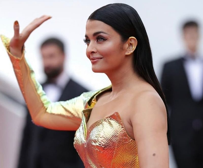 Queen of Cannes, Aishwarya Rai Bachchan shimmers in lustrous fish-cut gown on the red carpet