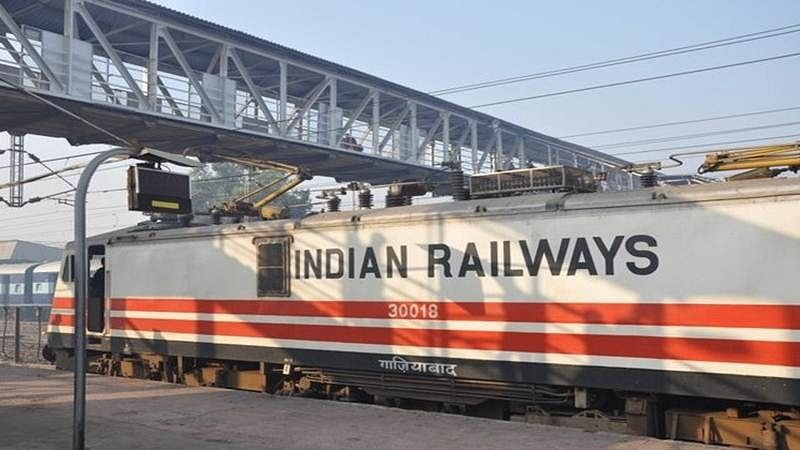 Technical snag hits CR for second consecutive day, services delayed