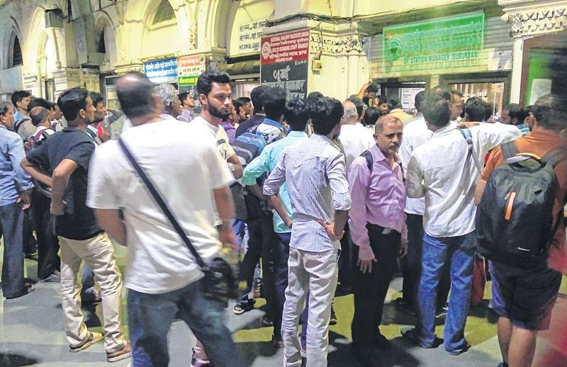 Mumbai: Endless Saturday night, thanks to Central Railway