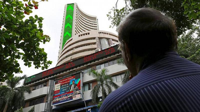 Sensex, Nifty start on choppy note on weak global cues