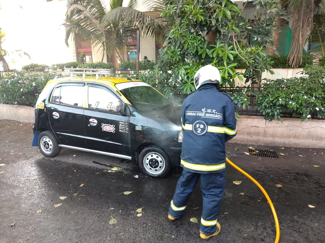 Mumbai: Taxi catches fire at Nariman Point, firefighting operations underway