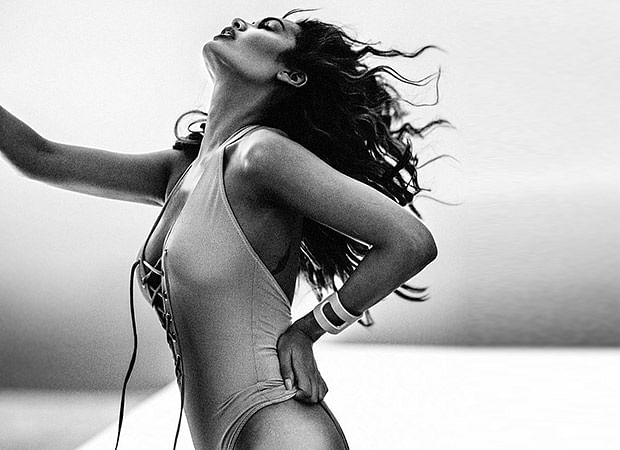 Bollywood bombshell Esha Gupta slays in a vintage swimsuit; see pic